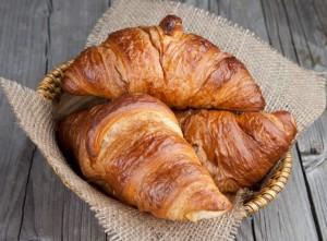 croissantul-rasfatul-suprem-de-dimineata-10-lucruri-de-stiut-despre-acest-deliciu-frantuzesc_size1